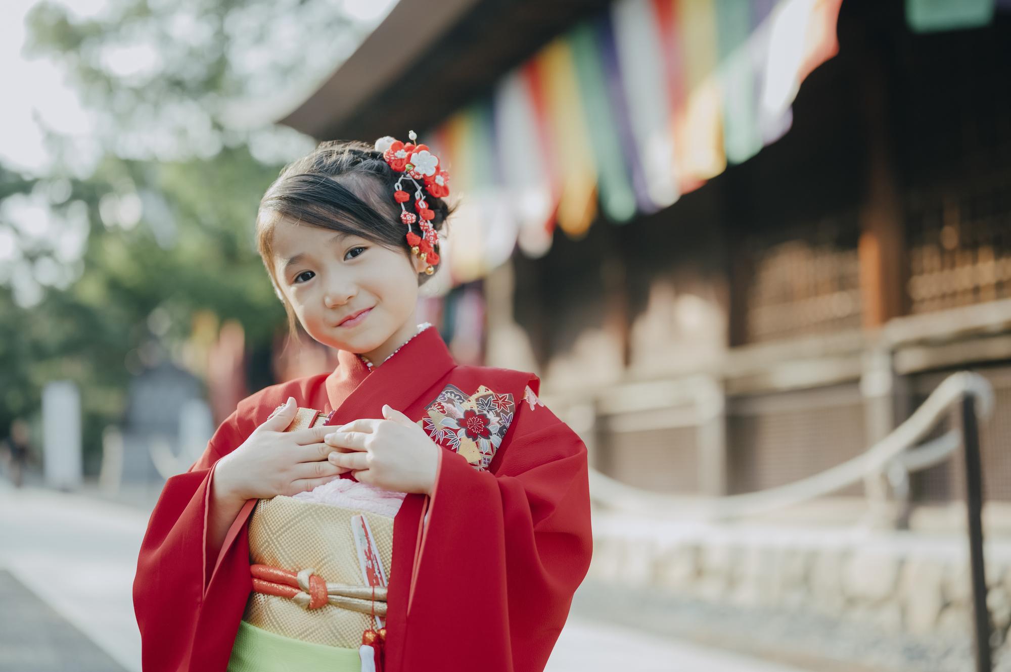 "<span class=""title"">七五三・7歳女の子の着物で人気の色・柄・素材は?</span>"